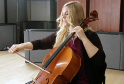 Courtney Vandiver Pereira plays Chad Robinson's Darkbloom in the Geary Studio
