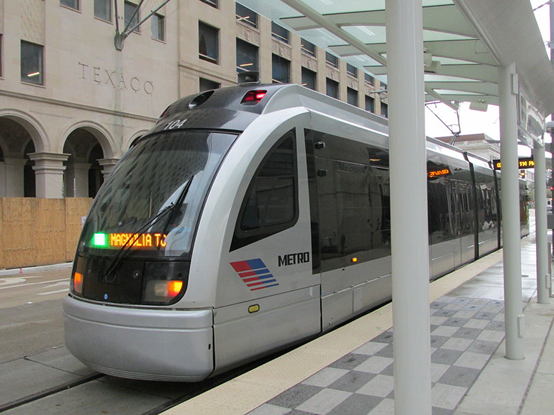 Metro-is-testing-trains-in-downtown-Houston-where-three-light-rail-lines-meet.jpg
