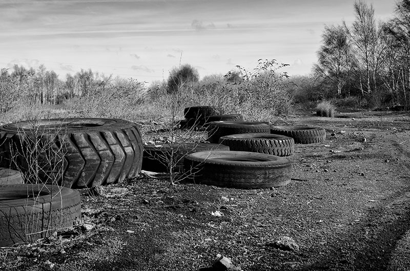 old-tires-dumped-800px-flickr_Maggies-Camera.jpg