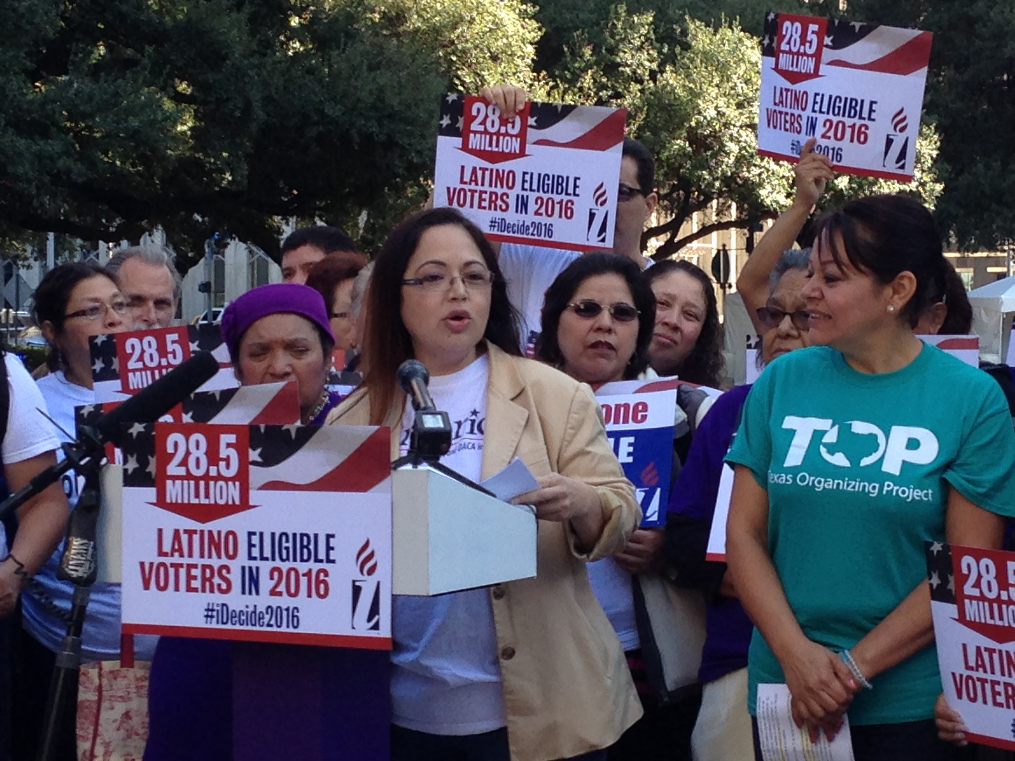 Houston immigration advocates lobby for municipal ids houston elsa caballero is president of seiu texas one of the organizations that are lobbying for aiddatafo Gallery