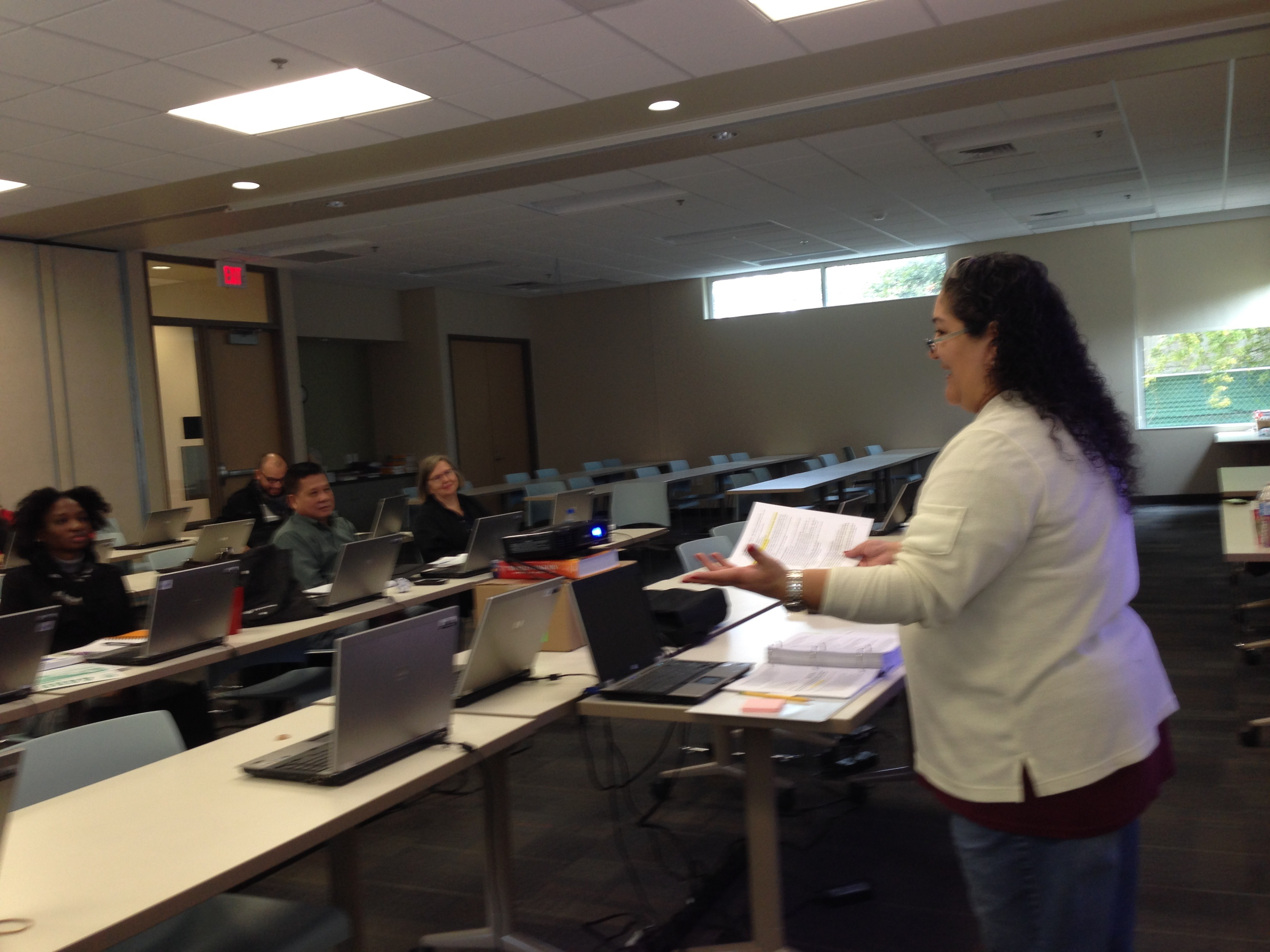 Neighborhood centers trains volunteers to help houston residents alba hernandez teaches the first session of the tax preparation course organized by neighborhood centers in 1betcityfo Image collections