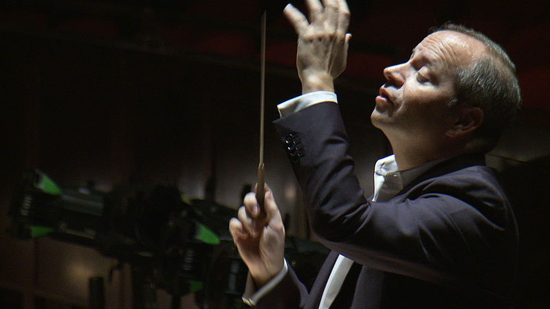 Patrick Summers conducts the Houston Grand Opera Orchestra in La traviata, 2012