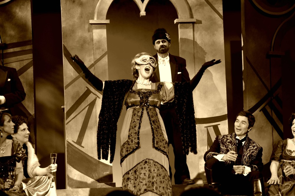 Die Fledermaus at Opera in the Heights 2013