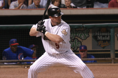 Bagwell in a bat swinging stance