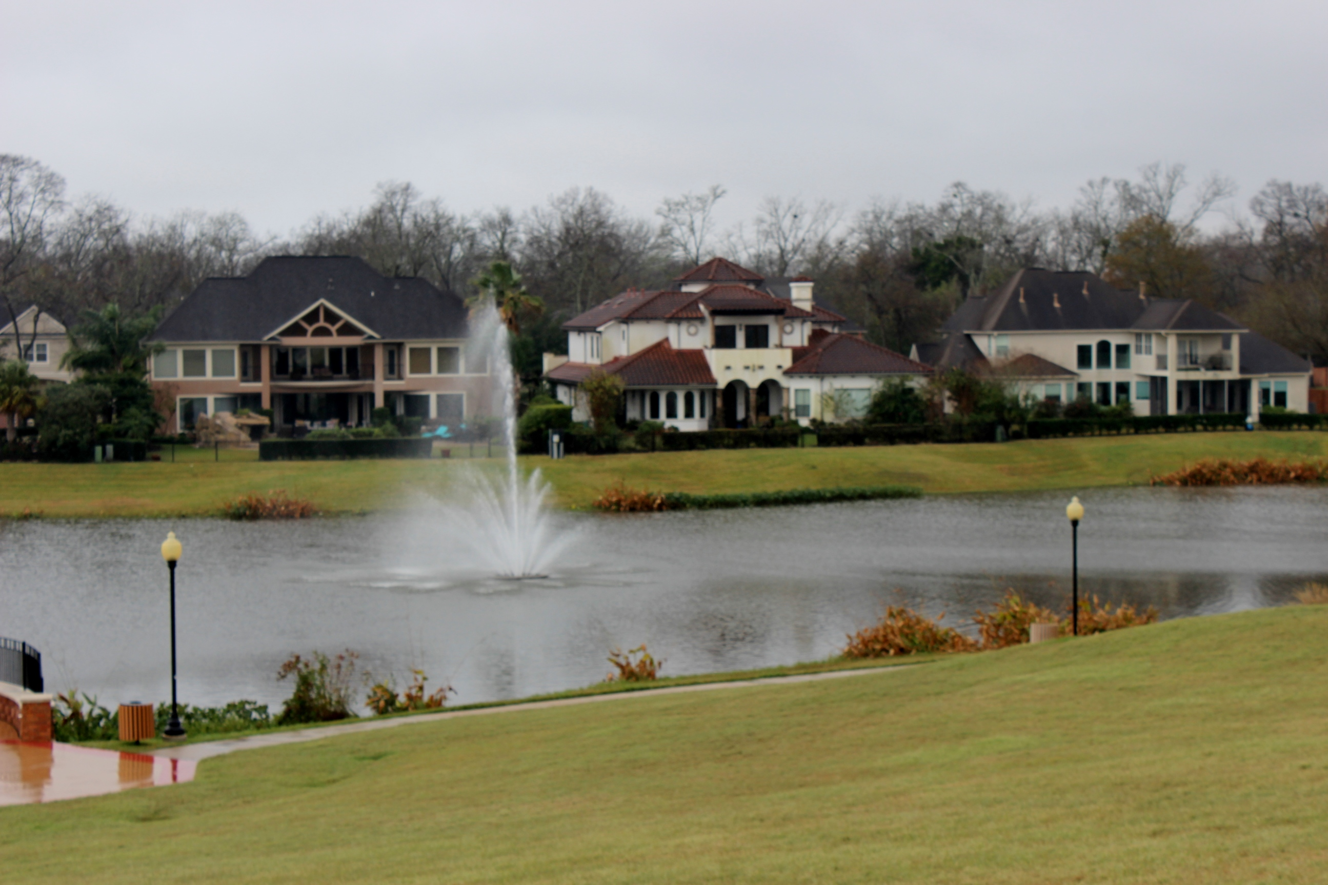 Sienna Plantation covers 16 square miles and has a population of over 20,000