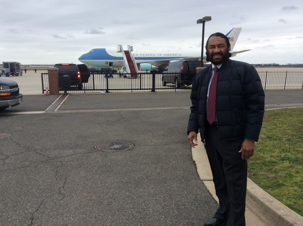 Al Green standing in from on Air Force One