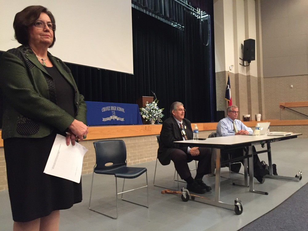 Maria Ott with the consulting firm HYA & Associates led a community forum at Chavez High School to gather feedback on what parents and students would like in the next HISD superintendent.