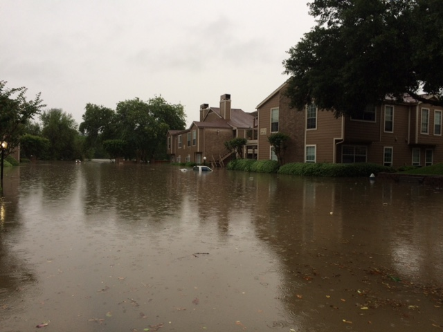 Flooding at condominiums near White Oak Bayou