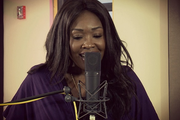 Houston musician Mary Griffin performs a tribute to Prince in the Geary Performance Study for Houston Public Media's Skyline Sessions. (Image: Houston Public Media)