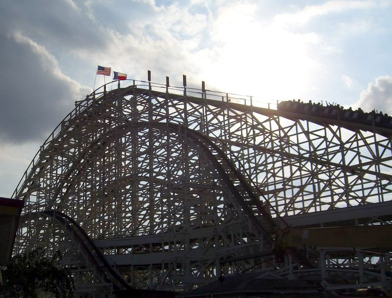 Texas Cyclone at 4:30 p.m. on October 30, 2005, AstroWorld's last day of operation. (Image: Johny Chen/Wikipedia Commons)