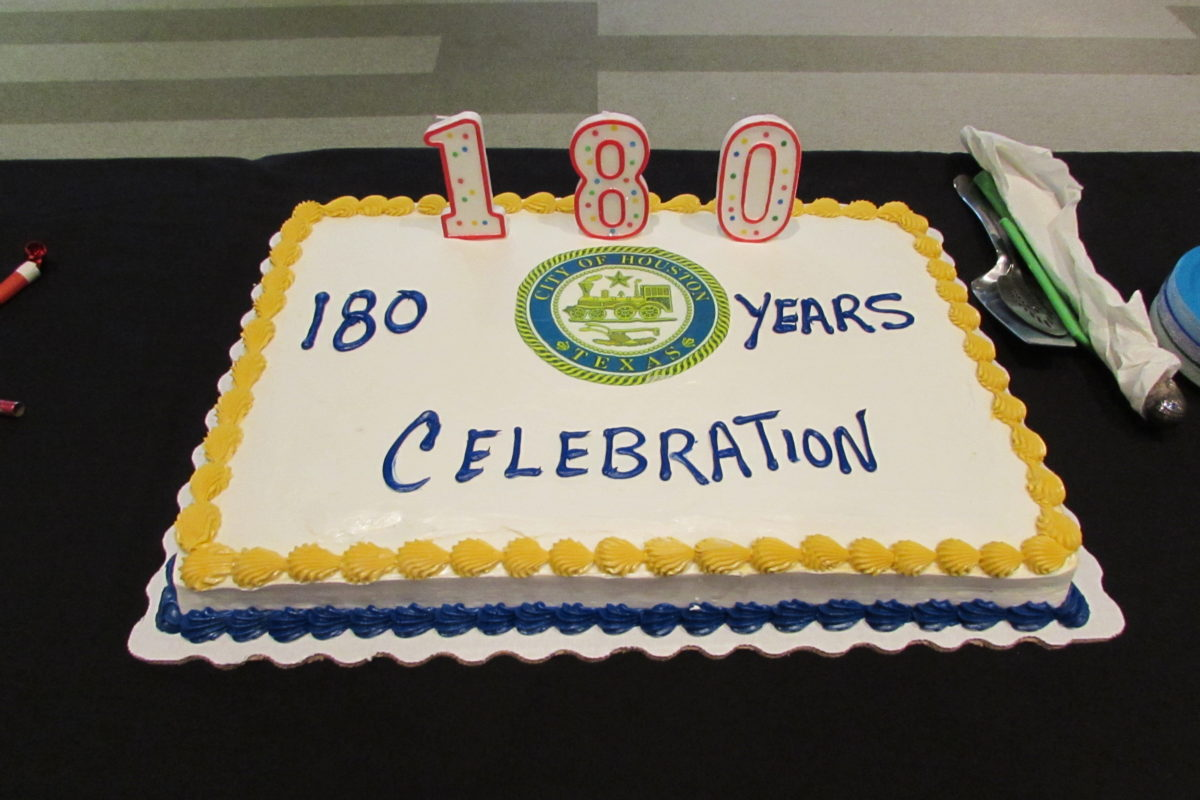 city officials celebrate houston s 180th birthday houston public on birthday cake midtown houston