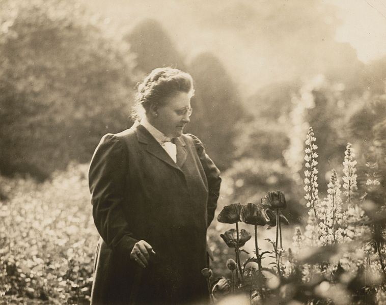Photograph of Amy Lowell, American poet