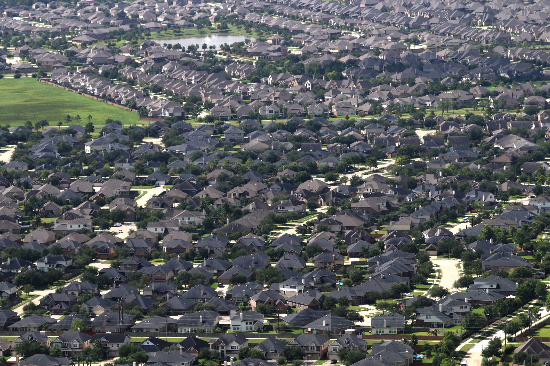 Residential ratepayers have spent more for electricity in Houston than San Antonio
