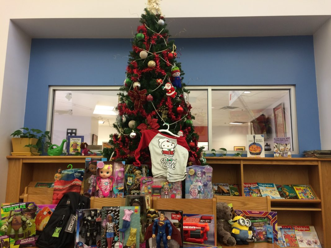Longfellow Elementary Christmas Tree