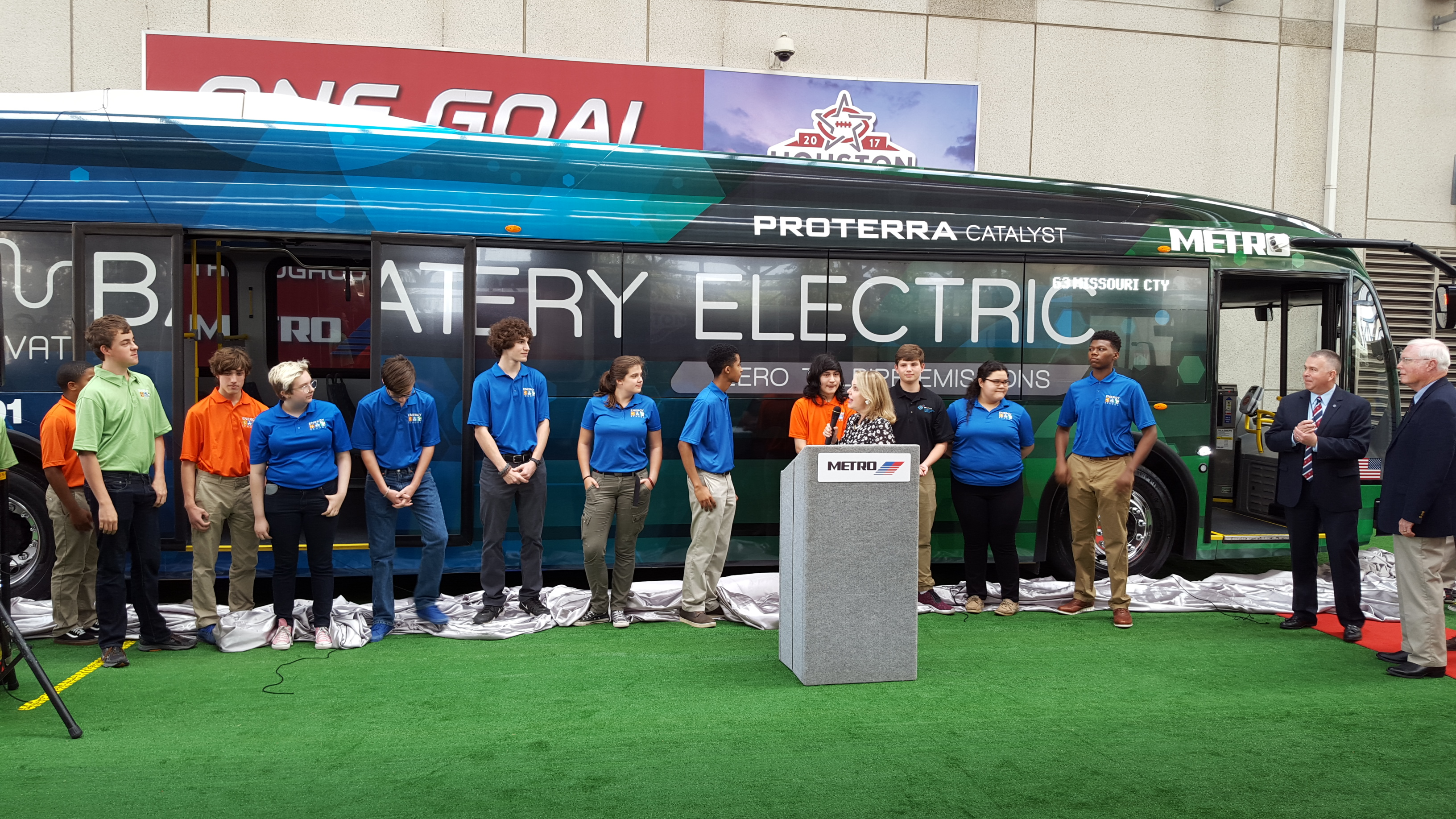 New Metro Electric Bus Starts Rolling This Weekend – Houston Public