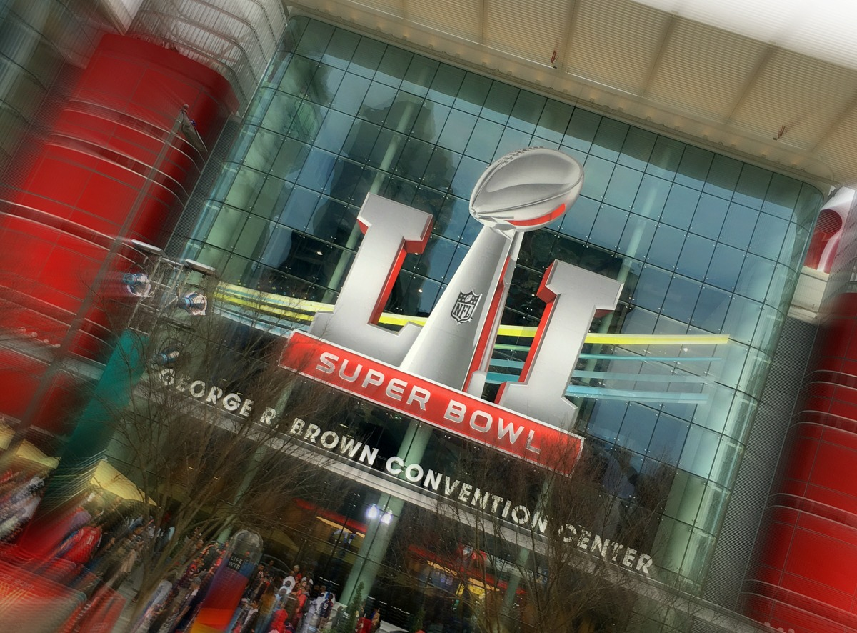 Super-Bowl-Logo-GRB-Zoom Blur-1200