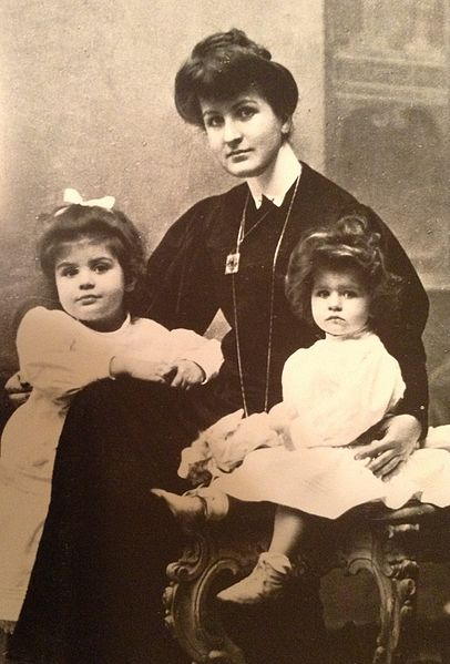 Alma Mahler with her daughters
