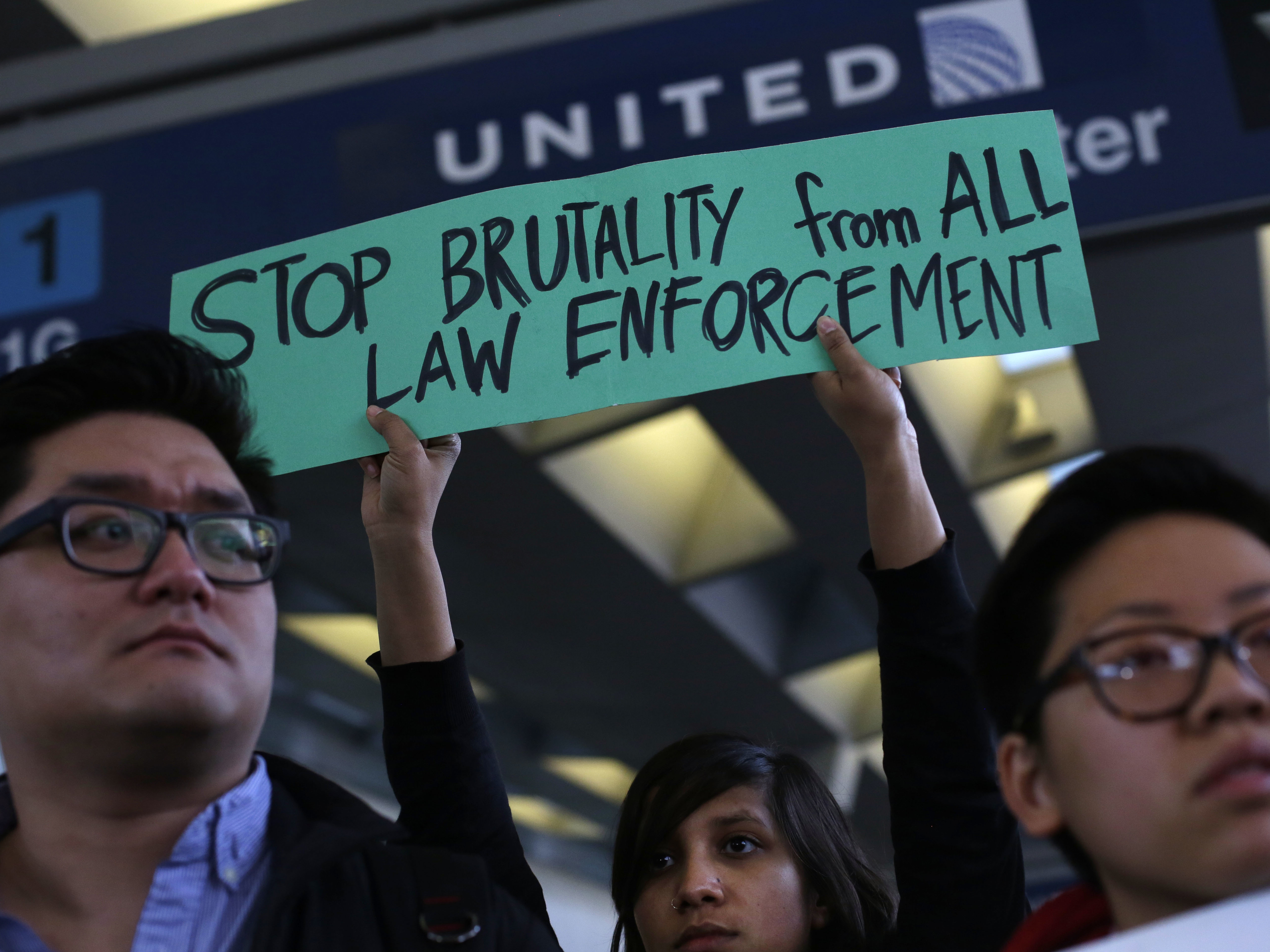 Demonstrators protest United Airlines at O'Hare International Airport on April 11, 2017 in Chicago, Illinois. (Photo: AFP/Getty Images, Joshua Lott)