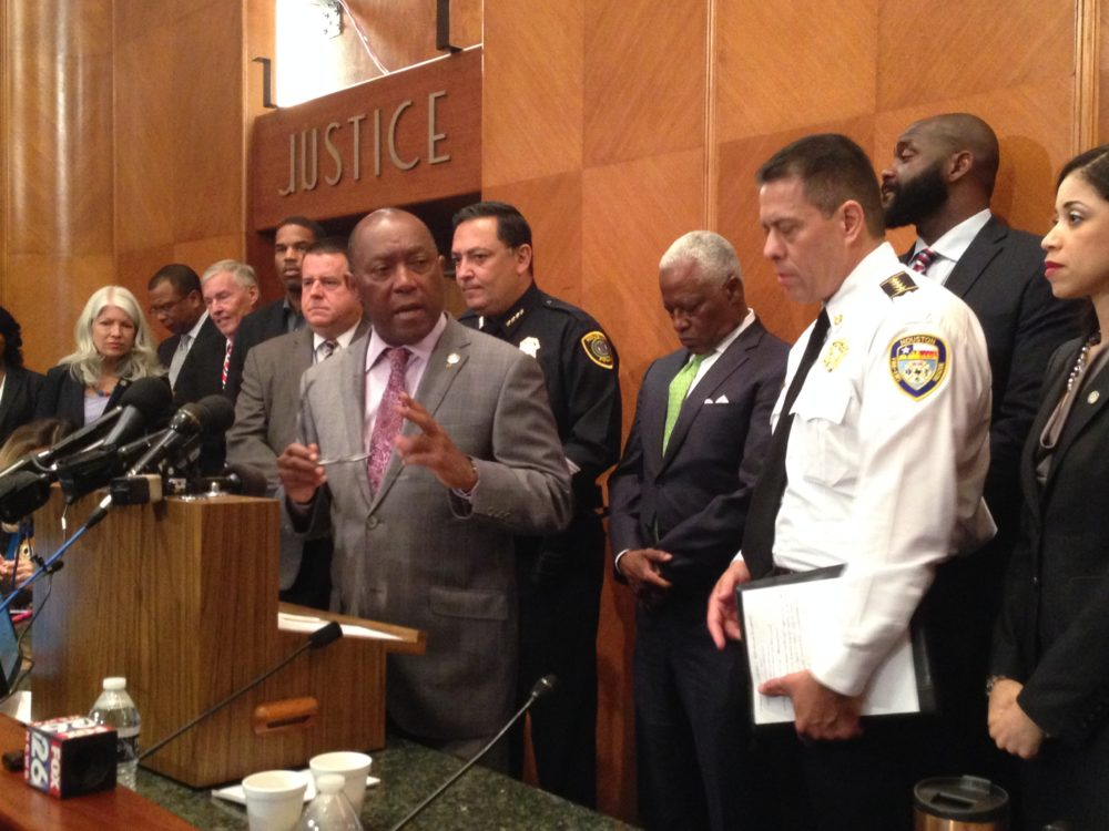 Several City Council Members, as well as the chief for HPD and HFD –Art Acevedo and Samuel Peña, respectively— accompanied Mayor Sylvester Turner during the press conference where he talked about potential negative effects of not getting the City's pension system reformed in 2017 by the Texas Legislature.