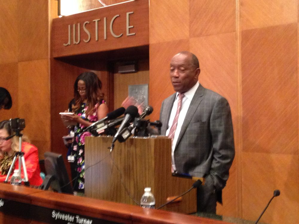 Houston Mayor Sylvester Turner is communicating with Lieutenant Governor Dan Patrick and House Speaker Joe Straus to let them know which amendments he doesn't want in the final version of the pension reform bill because he doesn't think they will benefit the City's finances.