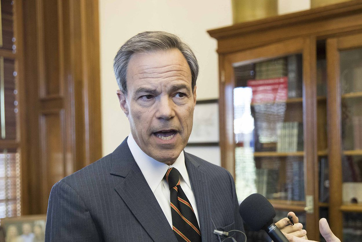 Texas House Speaker Joe Straus announces he won't seek re-election in 2018 at a press conference at the state Capitol on Oct. 25, 2017.