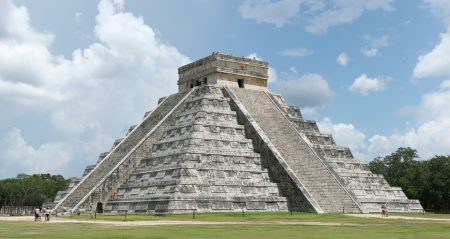 El Castillo, the temple of Kukulkan at Chichén Itzá.