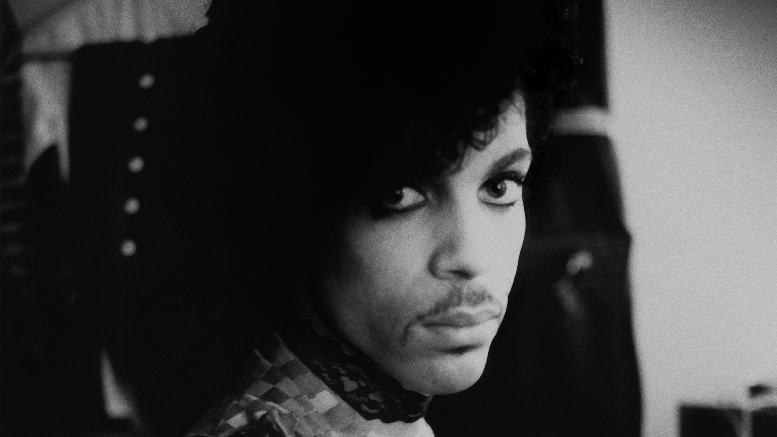 Prince, backstage during his 1999 tour.