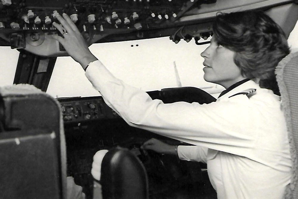 Lynn Rippelmeyer In A 747 Cockpit