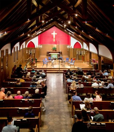 Picture of audience at St. Stephen's Episcopal Church