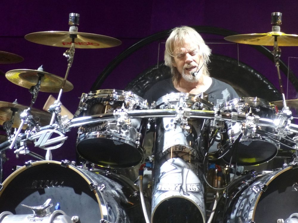 Frank Beard Performs with ZZ Top
